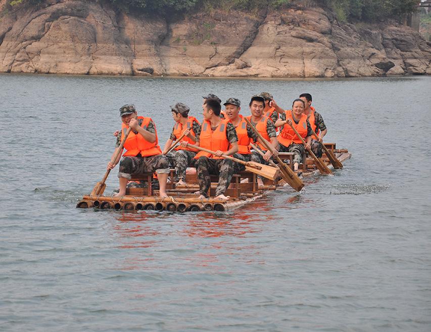 丹霞湖水上狂欢团建 绽放活力